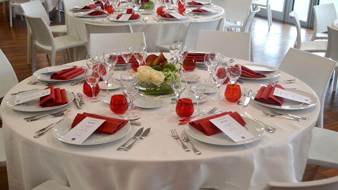 Déjeuner assis A Table